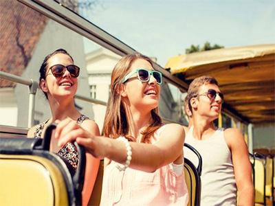В чем лучше отправиться в Европу: топ 5 незаменимых вещей путешественника